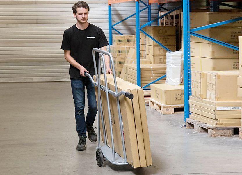 ¿Cómo elegir el carro de transporte correcto puede beneficiar la logística del almacén?
