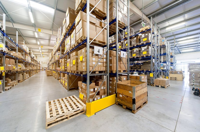Operaciones de almacén eficientes utilizando packaging personalizado