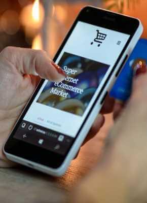 Palets, cajas y roll containers: productos imprescindibles en la industria del e-commerce